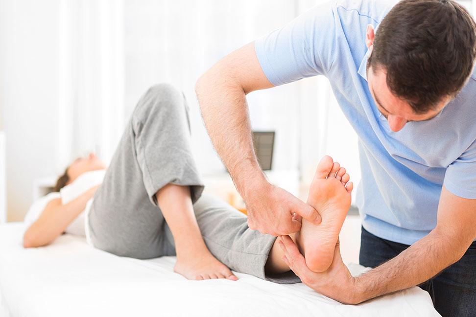 Physiotherapeut/In - Berufsbild, Ausbildung, Gehalt Und Bewerbung